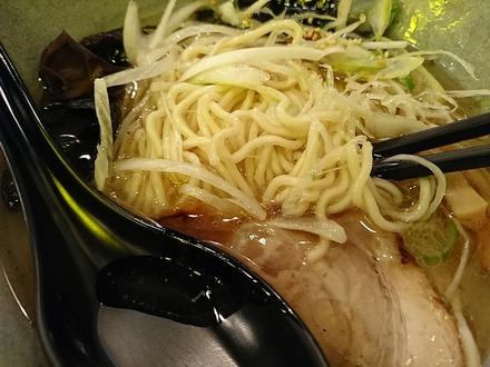 北海道らーめん 鷹の爪 新宿店 焦がし塩ラーメン 01