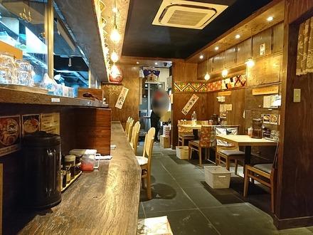 中野 麺屋三代目 火華 中野総本店 店内