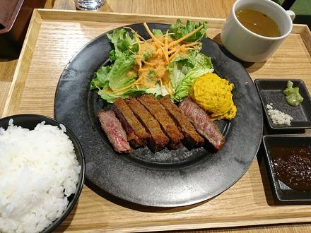 中野 セントラルパークサウス me at park 赤身肉の牛カツ01