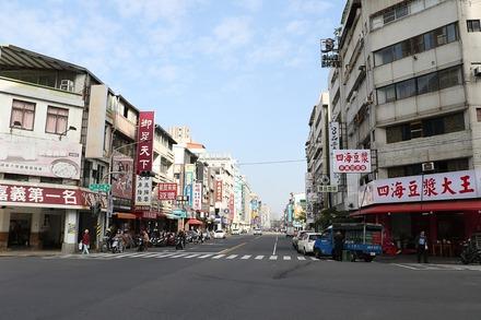 2002 台湾 高雄 果貿來來豆水 遠景