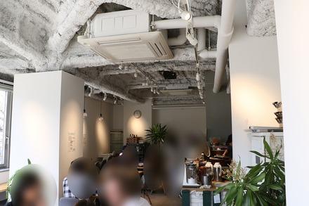 篠崎 オーガニックカフェ・ラムノ 店内