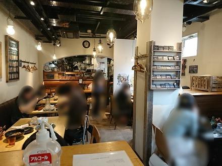 下北沢 ROJIURA CURRY SAMURAI 店内
