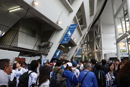 190609 横浜スタジアム  コンコース