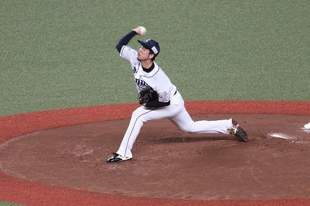 200725 vsロッテ 本田圭佑04
