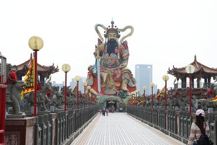 2002 台湾 高雄 蓮池潭 玄天上帝像019