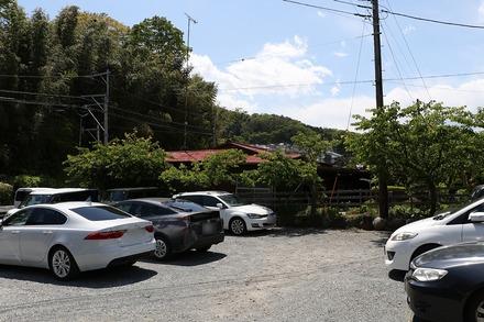 渋沢 手打ちそば くりはら 駐車場