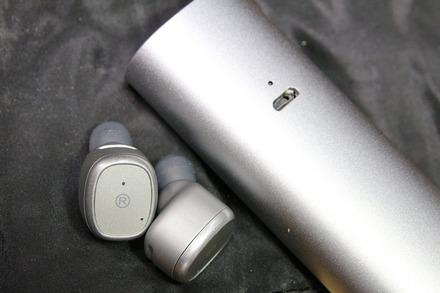 COLLABORN Bluetooth 完全独立型イヤホン D01 04