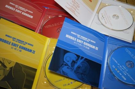 劇場版 機動戦士ガンダム Blu-rayトリロジーボックス 04