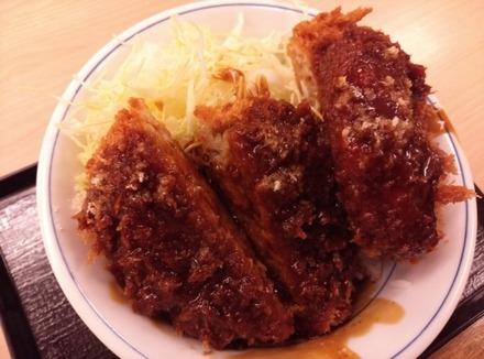 かつや デミグラスメンチカツ丼02