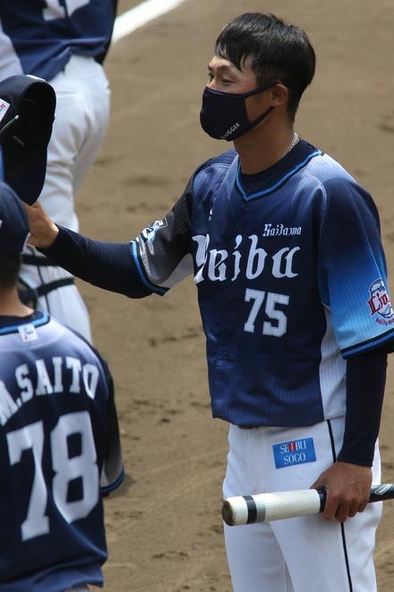 210605 ジャイアンツ球場 イースタン vs巨人 鬼崎裕司コーチ