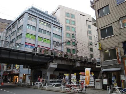 130310 東急東横線 渋谷 八幡橋付近01