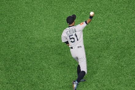 190321 MLB開幕戦 東京ドーム イチロー ライト守備05
