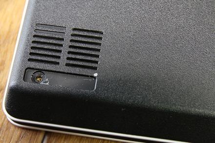 VAIO S11 SSD交換 分解 04