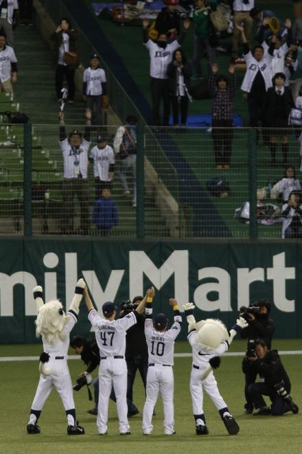 150415 vs楽天 ヒーロー