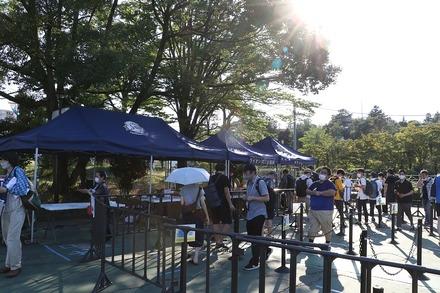 200811 vs楽天 70周年ユニ配布テント