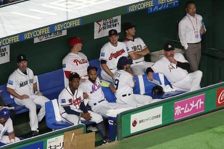 181110 日米野球 MLBベンチ