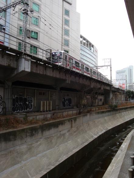 130310 東急東横線 渋谷八幡橋付近02