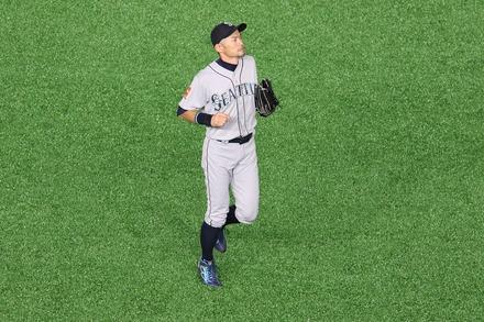 190321 MLB開幕戦 東京ドーム イチロー ライト守備01