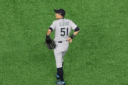 190321 MLB開幕戦 東京ドーム イチロー ライト守備03