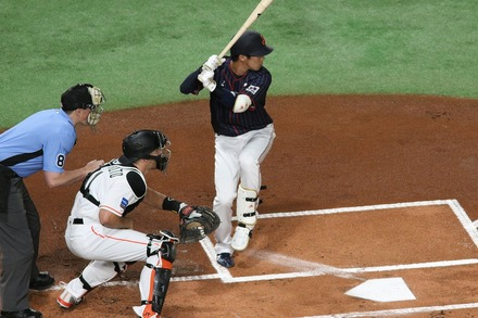 181110 日米野球 山田哲人01