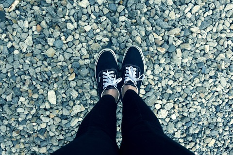 feet-2338840_1920