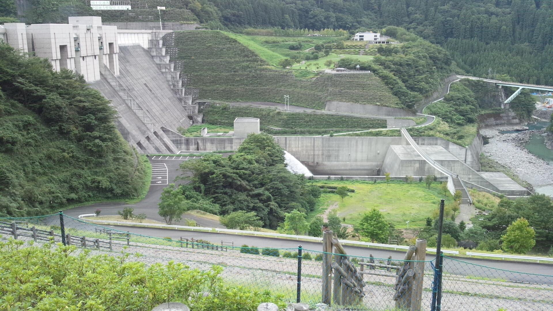 自転車の 自転車 マット ワックス : そして帰りは 長島ダム を見学 ...