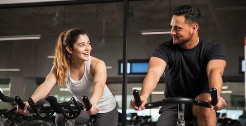 how-to-flirt-gym-man-woman-boy-girl-lifestyle