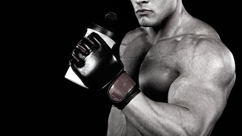 bodybuilder-protein-shake_0