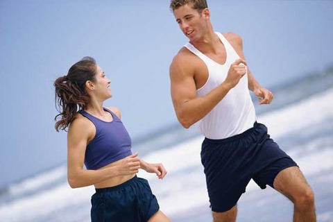 couple_running-beach