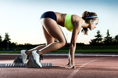 woman-speed-track-pose-wallpaper-preview