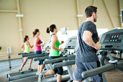 running-machine-muscle-training-e1458543386627