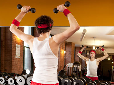 misc-skinny-man-dumbbell-curls-PumwpX-02032012