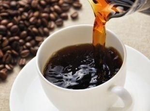 筋肉のけいれん抑制にコーヒーが有効、「うっかり」が裏付け実験に←意思とは無関係に筋肉が動く「ジスキネジア」の症状