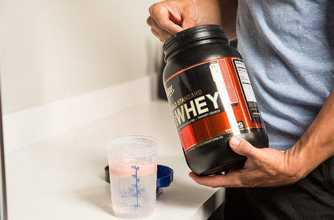 should-i-drink-protein-before-or-after-a-workout-v2-2-960xh