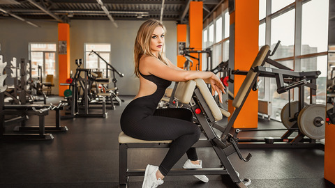 gym-girl-model-exercise