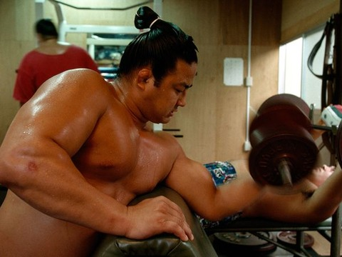 sumo-weitght-lifting_12308_600x450