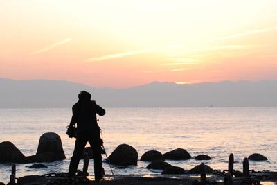 朝陽を待つ
