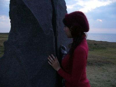 岩手にて岩を覗く横向き