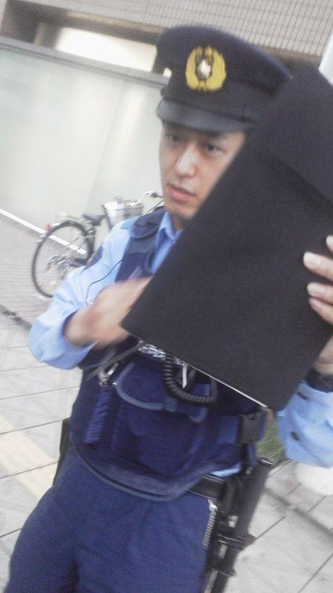 顔を隠す 高崎警察署の ノルマ警察官 3