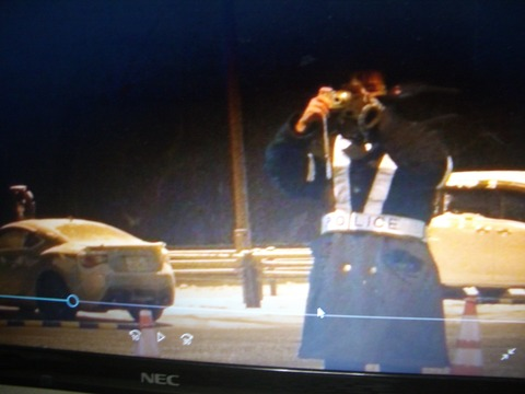 NAGANO POLICEのチョッキ男性