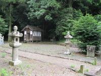 10昼掛八幡宮境内熊野社と仏堂