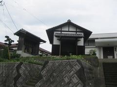 4宮田観音堂、左小堂、右納骨堂
