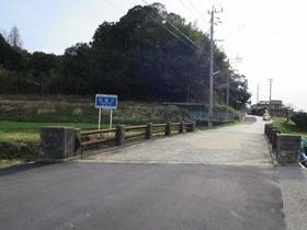 1畦町橋から東構口を見る