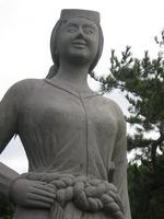 鐘崎海女の石像
