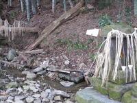 4徳間清水石祠と給水口桝形石
