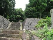 3昼掛八幡宮参道石段上段