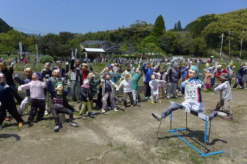 2019.04.20今年の天草市宮地岳町〈かかし村〉のテーマは『オリンピック』!