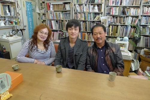 藤原惠洋研究室OBの李成倫くん来訪。ご結婚近し!!