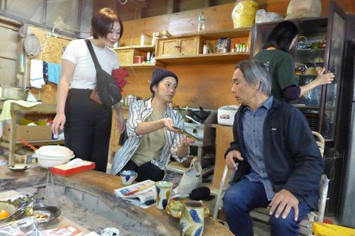 沖縄へ、第39回読谷山焼陶器市(ヤチムン祭り)へ、北窯松田共司親方の工房へ。