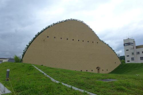 ああ、これもヤバンギャルディックなフジモリ建築!多治見タイルミュージアム